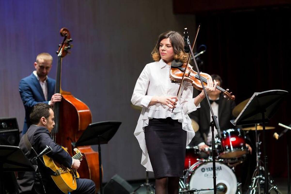 Daria Eibuschitz- Live Music Apertif