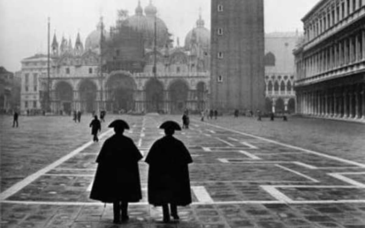 Photographs by Fulvio Roiter at the Casa dei Tre Oci