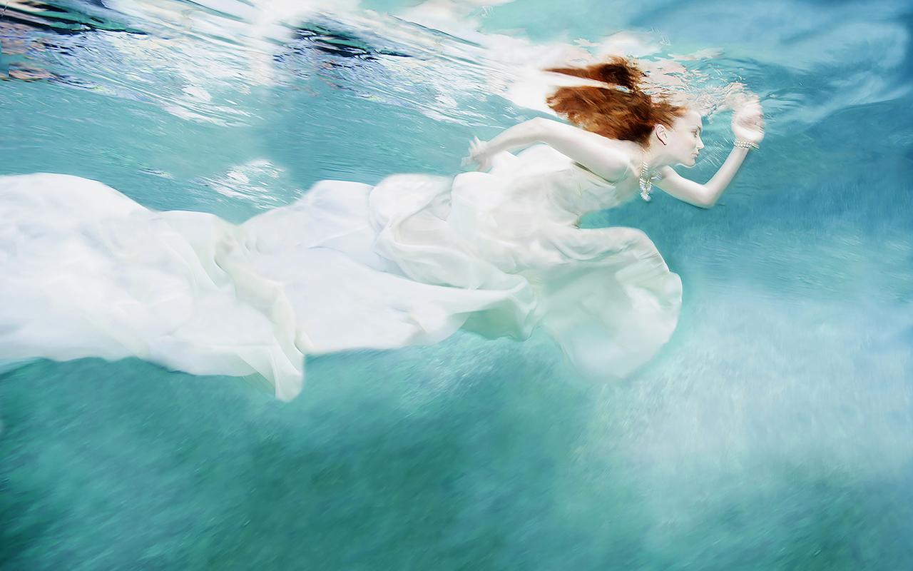 L'incredibile fotografia subacquea di Gisèle Lubsen a Palazzo Zenobio