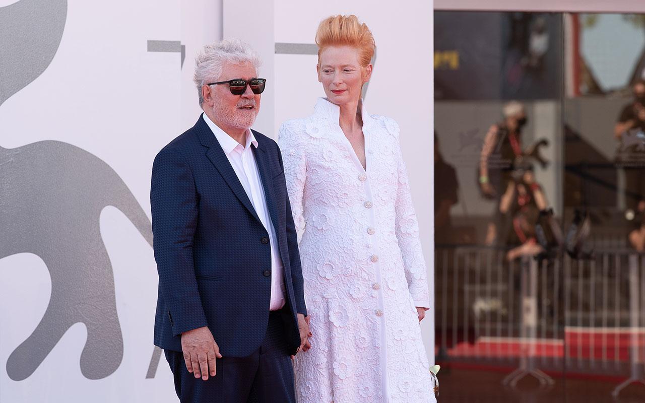 Ph. Rossana Viola- Red-Carpet 2 Settembre 2020 - Tilda Swinton e Pedro Almodovaralla Mostra del Cinema di Venezia 77ma edizione