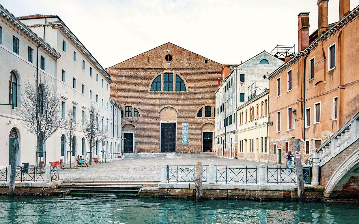 OS _ Chiesa San Lorenzo Credito:Ocean Space, Chiesa di San Lorenzo, Foto: Enrico Fiorese